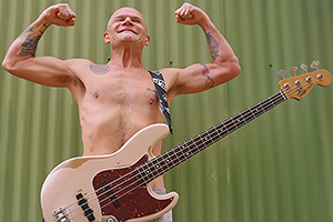 FLEA BY FENDER