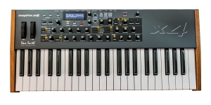 DSI (Dave Smith Instruments) Mopho x4