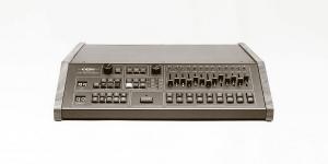 Линн Электроникс ЛМ-1 Драм Компьютер