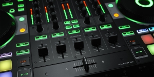 DJ-808 6